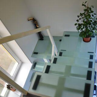 [:ru]лестница из стекла в автосалон[:ua]лестница из стекла в салон[:en]лестница из стекла в салон[:]